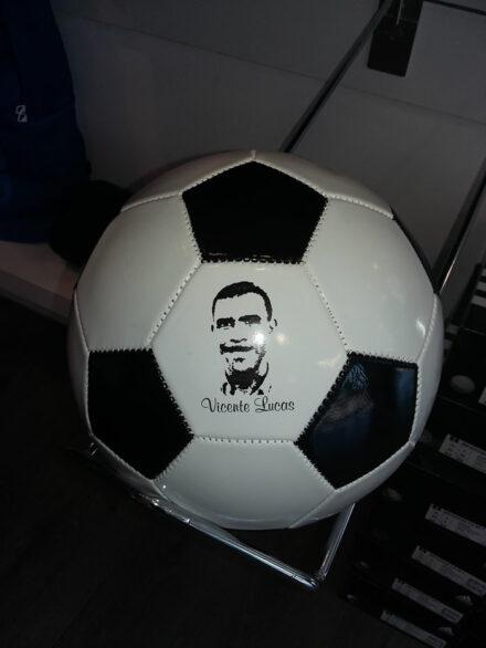 Bola de futebol Vicente Lucas