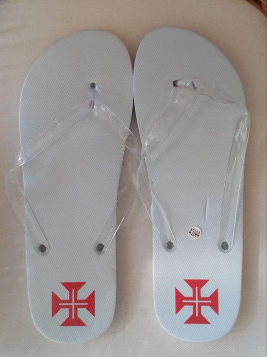 chinelos-brancos