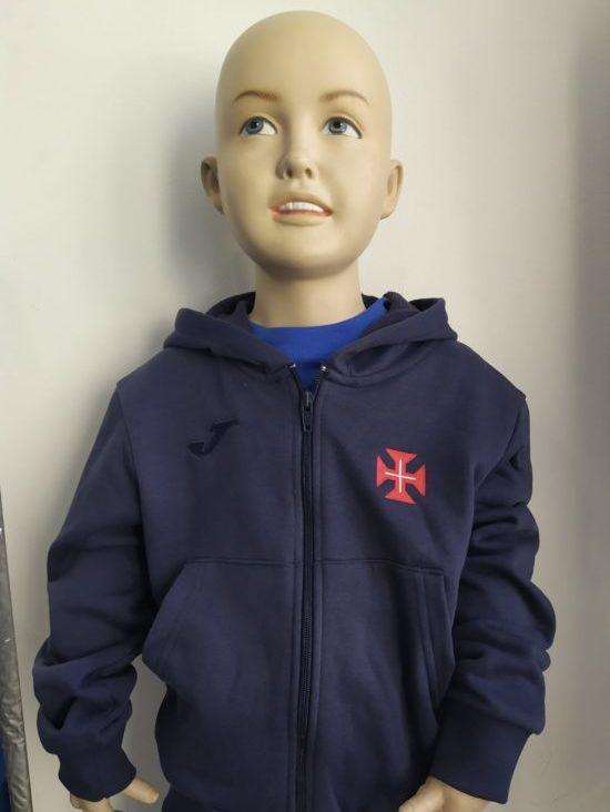 casaco capuz azul escuro crianca